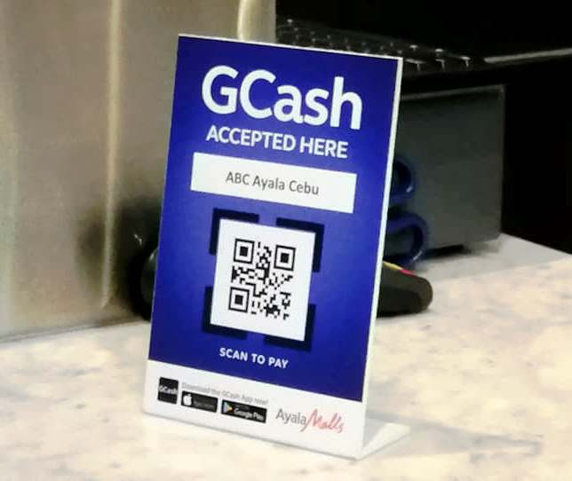 Use GCash App for a hassle-free holiday shopping